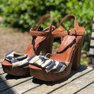 Jessica Simpson Striped Bow platform heels